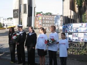 Delegacje z kwiatami